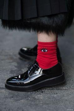 Deixe suas meias à mostra. Inspirações mil no taofeminino.com.br