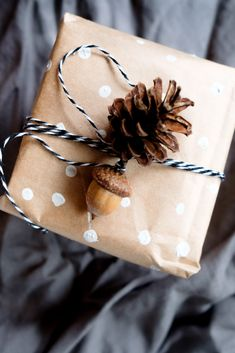 DIY GESCHENKE #NACHHALTIGVERPACKEN | #UPCYCLING Nachhaltige #Geschenkverpackungen statt #Geschenkpapier Wrapping Ideas, Gift Wrapping, Snail Shell, Best Birthday Gifts, Zero Waste, Things To Think About, Upcycle, Wraps, Christmas Presents