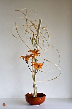 Gorgeous example of Ikebana.