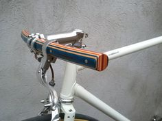 Woodoocycles wooden handle bar pedals bike stand (9)