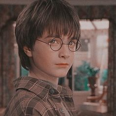 Discover recipes, home ideas, style inspiration and other ideas to try. Harry Potter Icons, Harry Potter Aesthetic, Harry James Potter, Harry Potter Memes, Hogwarts, Harry Potter Pictures, Harry Potter Wallpaper, Daniel Radcliffe, Film Serie