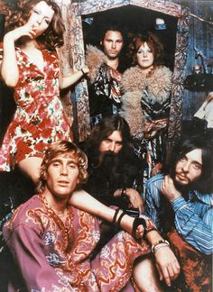Jim Morrison and Pamela Courson with the hippy set. Jim Morrison, Lyon, Rock N Roll, Les Doors, Mundo Hippie, Jim Pam, Hippie Movement, Riders On The Storm, Wild Child