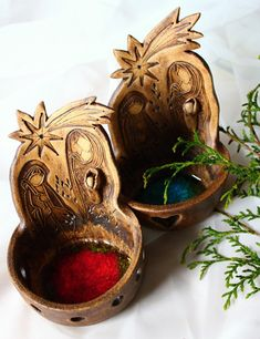 Betlémek, světýlko Ceramic Christmas Decorations, Christmas Ornaments, Holiday Decor, Clay Crafts, Arts And Crafts, Tea Light Holder, Gourds, Tea Lights, Nativity