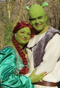 Once upon a time. a fairytale wedding for the couple who tied the knot as Shrek and Princess Fiona Wedding Fotos, Funny Wedding Photos, Wedding Pics, Wedding Themes, Wedding Couples, Themed Weddings, Wedding Ideas, Funny Weddings, Wedding People