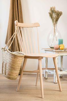 Pink Floyd, Living Furniture, Furniture Design, Wooden Chair Plans, Wooden Chairs, Chair Design Wooden, Pallet Beds, Built In Bookcase, Wooden Diy