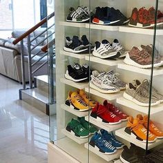 Shoe storage 28 Modern Shoes Closet Ideas for Men Closet Shoe Storage, Shoe Closet, Best Shoe Rack, Sneaker Storage, Sneaker Rack, Hypebeast Room, Shoe Room, Shoe Display, Home Interior