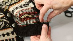 How to repair a knitted jacket by ARNE & CARLOS – Replacing the placket. – ARNE & CARLOS