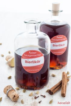 Bierlikör – so lecker und süffig, der ist auch was für einen Mädelsabend! Beer liqueur or beer brandy is a great gift idea from the kitchen and not only for men! When I tried the recipe and the liqueur just in Beer Recipes, Cake Recipes, Kenwood Cooking, Liqueur, Schnapps, Non Alcoholic Drinks, Refreshing Drinks, Diy Food, Cocktail Recipes