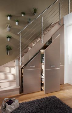 Often wasted, the available space (Ideas on How To Use Under Stairs as Saving Storage) below the stairs is synonymous with square meters in our favor. Staircase Storage, Stair Storage, Diy Storage Under Stairs, Small Space Staircase, Basement Storage, Home Stairs Design, Home Interior Design, House Stairs, Stairs To Loft