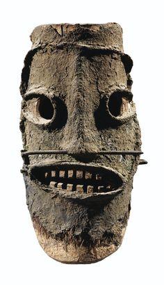 Tolai Mask, New Britain, Papua New Guinea Arte Tribal, Tribal Art, African Masks, African Art, New Britain, Art Premier, Head Mask, Art Sculpture, Masks Art