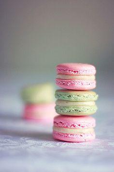 Vanilla Macarons: