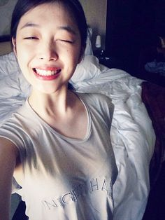 Sulli uploaded her first selca since her dating rumor with Dynamic Duo's Choiza. Sulli Choi, Choi Jin, South Korean Girls, Korean Girl Groups, L Kpop, Asian Angels, Dynamic Duos, Korean Entertainment, K Idol