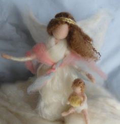 Aguja de fieltro ángel de la guarda con el bebé, Waldorf