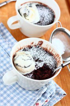 Helppo suklainen mug cake eli mukikakku - Suklaapossu Acai Bowl, Food And Drink, Baking, Mugs, Breakfast, Cake, Desserts, Acai Berry Bowl, Morning Coffee