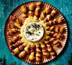 Baked camembert with bacon-wrapped breadsticks Gooey, melted cheese and crispy, golden bread make a stunning centrepiece to share with friends over drinks or as a dinner party starter - make ahead for fuss-free entertaining Christmas Canapes, Christmas Buffet, Christmas Party Food, Xmas Food, Christmas Cooking, Christmas Recipes, Chrismas Food Ideas, Christmas Meal Ideas, Christmas Bread