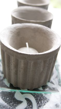 Concrete votive holder by Paula Rodriguez Concrete Casting, Concrete Cement, Concrete Crafts, Concrete Projects, Cement Design, Beton Diy, World Crafts, Jewelry Candles, Pasta Piedra