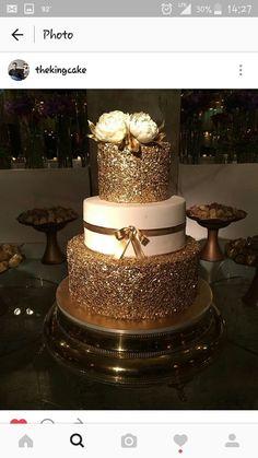 Gold and white and cream dazzling palette for a wedding cake Elegant Wedding Cakes, Beautiful Wedding Cakes, Wedding Cake Designs, Beautiful Cakes, Amazing Cakes, Wedding Ideas, Sweet 16 Birthday Cake, 18th Birthday Cake, Pretty Cakes