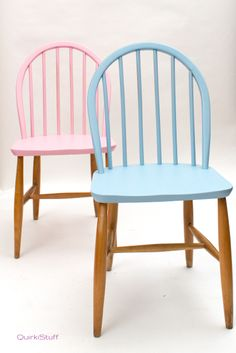 These arent old-BUT- you could do this with some old matched chairs and & 40 best Painted Chairs images on Pinterest | Colorful chairs ...