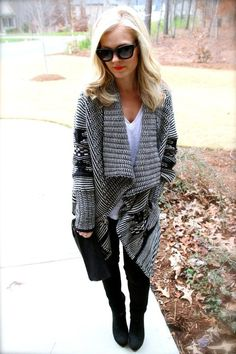 Great looking knit... definitely my style. Kudos to the designer.