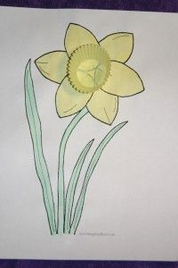 Daffodil Craft for the color yellow...also a good craft for spring time. Books and other activities for the color yellow. Free printable included.