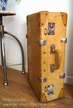c48badaf6 Las 15 mejores imágenes de Maletas antiguas de viaje | Suitcases ...
