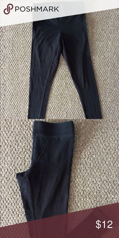 American Eagle Black Leggings! American Eagle Black Leggings!  XS  Good condition! The color has faded a little throughout washes.  ✨Check out my other items listed! I ship same or next day depending on when you purchase items!✨  Happy Shopping! ❤ American Eagle Outfitters Pants Leggings