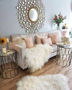 Having small living room can be one of all your problem about decoration home. To solve that, you will create the illusion of a larger space and painting your small living room with bright colors c… Living Room Decor 2018, Glam Living Room, Cozy Living Rooms, Interior Design Living Room, Home And Living, Living Room Furniture, Living Room Designs, Rustic Furniture, Modern Furniture