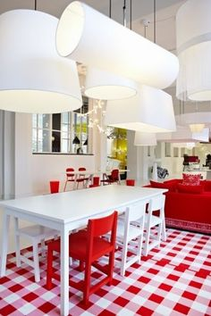 Love the oversized lights (Moooi?) and the red and white gingham picnic rug - Carpet no. by Simone Pullens of Creneau International, designed for Moooi. Red Accent Chair, Accent Chairs, Long Lights, Red Gingham, Gingham Check, White Plaid, Red Plaid, Red Kitchen, Vintage Stil