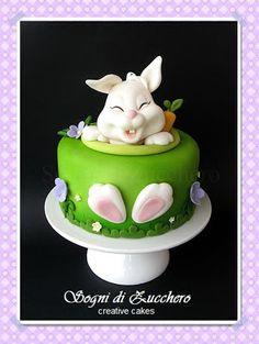 Gâteau de Pâques en fondant avec lapin. Sogni di zucchero: Corso sugar-art: Happy Easter!