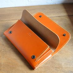 Small Leather Wallet, Leather Pouch, Diy Purse, Long Wallet, Leather Working, Leather Craft, Continental Wallet, Purses, Bags