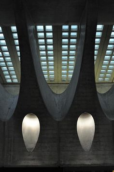 oinonio:  Bahnhof Stadelhofen by Santiago Calatrava - skylight by ijnicholas on Flickr.