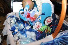 cestinha com sabonetes preparaçao para lembranças de baptizado