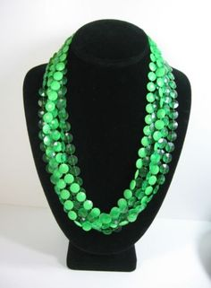 Triple-Strand-BRIGHT-GREEN-Flat-Bead-NECKLACE-Vintage-46-LONG-2-Shades
