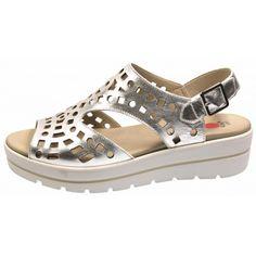 Tallas: 35 - 41 Plantilla extraible. Platform Wedge Sandals, Wedge Shoes, Boat Shoes, Kids Sandals, Arsenal, Shoe Boots, Footwear, Wedges, Womens Fashion