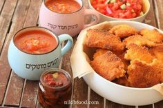 """Super Crispy Chicken Schnitzel - My son calls it """"the schnitzel that crunches in your mouth"""". Fried Chicken Breast, Chicken Breast Fillet, Crispy Fried Chicken, Baked Chicken, Schnitzel Recipes, Chicken Schnitzel, How To Make Schnitzel, Incredible Recipes, Sweet Chili"""