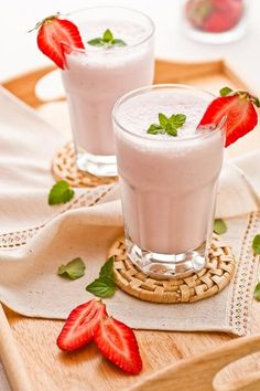 Rezept: Gesunder Erdbeershake zum Abnehmen.