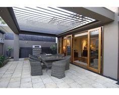 Vergola over outdoor kitchen / BBQ area