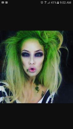 Sexy Beetlejuice makeup Costume Halloween, Geek Costume, Halloween Inspo, Halloween Looks, Costume Makeup, Diy Costumes, Halloween Themes, Halloween Makeup, Halloween Party