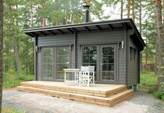 J Green's media content and analytics Tiny Cabins, Tiny House Cabin, Tiny House Living, Tiny House Plans, Tiny House Design, Shed Cabin, Backyard Office, Backyard Studio, Backyard Cabin