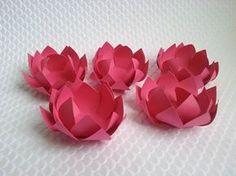 orminha Flor para Doces. Aprenda de uma forma simples a fazer uma linda forminha em formato de flor, dando um toque sofisticado em sua festa! Nossa sugestão para 15 anos, Noivados, Casamentos, Bodas e etc.