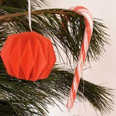 Weihnachtskugel aus Papier - Selbstgemacht DIY