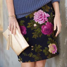 Set the mood in moody blooms. We're loving these dark florals for fall!