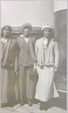 Sevastopol, Crimeia - 1914: Grã-duquesas Olga, Tatiana e Marie.