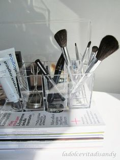Make -up-organizer by Nomess Copenhagen