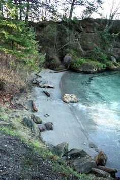 Near the north end of Chuckanut Drive, Teddy Bear Cove offers a quiet escape with a peaceful bluff overlooking Chuckanut Bay.