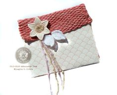 """Flora Wonders! """"The second I saw the Fiber Arts Loom Kit my head started spinning with ideas! The """"what ifs"""" that always come to my brain were asking... What I could create my own fabric to make a clutch?"""" ~ Milagros #mothersday #giftideas"""