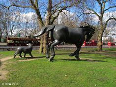 Animals in War Memorial: London | Blogging while allatsea