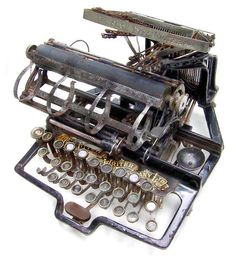 Fitch (English) #3545 (England, 1891) -- downstroke from the back, three-bank non-QWERTY keyboard