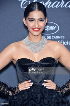 Sonam Kapoor attends the Chopard Party at Port Canto during the annual Cannes Film Festival on May 2016 in Cannes, France Indian Bollywood Actress, Bollywood Actress Hot Photos, Bollywood Girls, Beautiful Bollywood Actress, Most Beautiful Indian Actress, Bollywood Celebrities, Indian Actresses, Sonam Kapoor, Sonakshi Sinha Saree