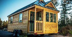 Jeremy y Lindsay Weaver han logrado transformar esta hermosa casa de 25 metros cuadrados en un sueño rústico que tiene todo lo que necesitan en un solo piso.